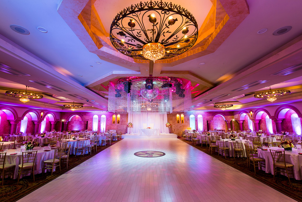 Large wedding venues in los angeles la banquets for Ball room decoration
