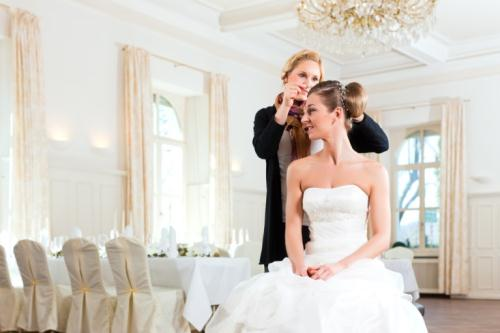 bride-with-hair-stylist
