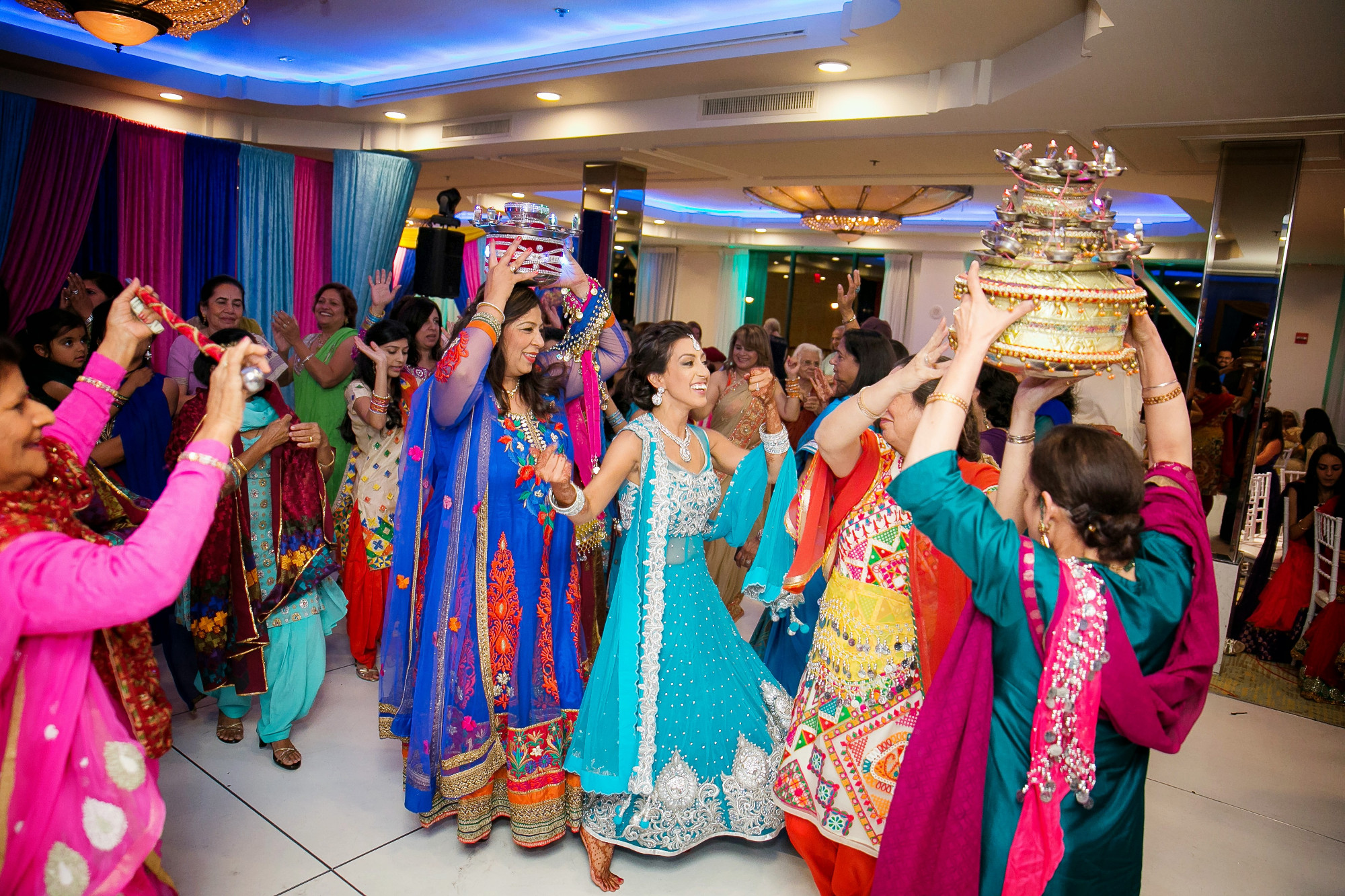 Hindu Wedding Gifts For Guests: Best Indian Wedding Venues In Los Angeles