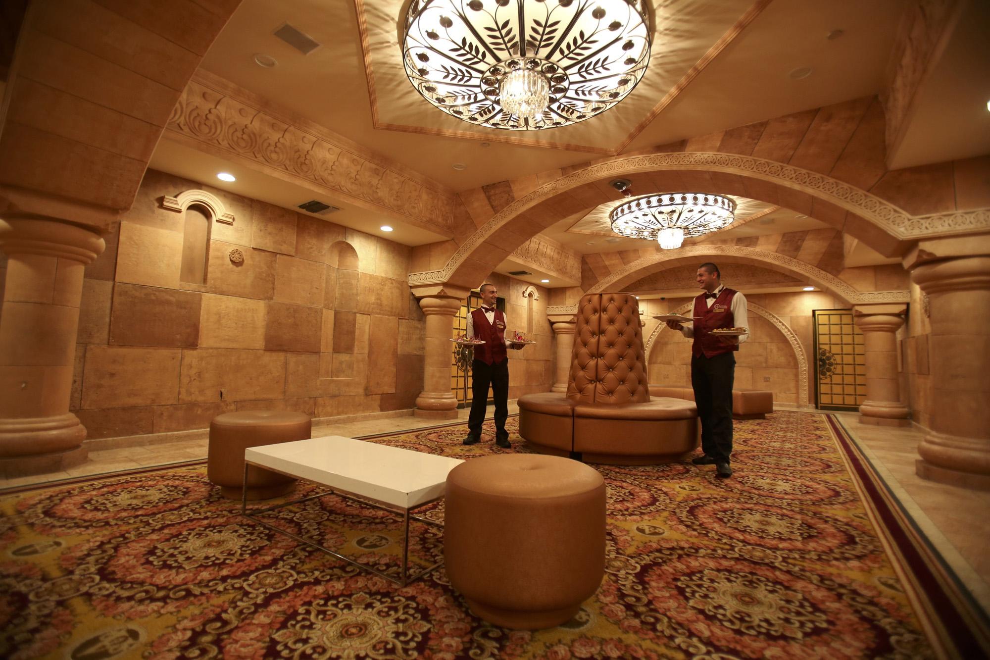 Grand Foyer Bar : Small event wedding venue in n hollywood le foyer lounge