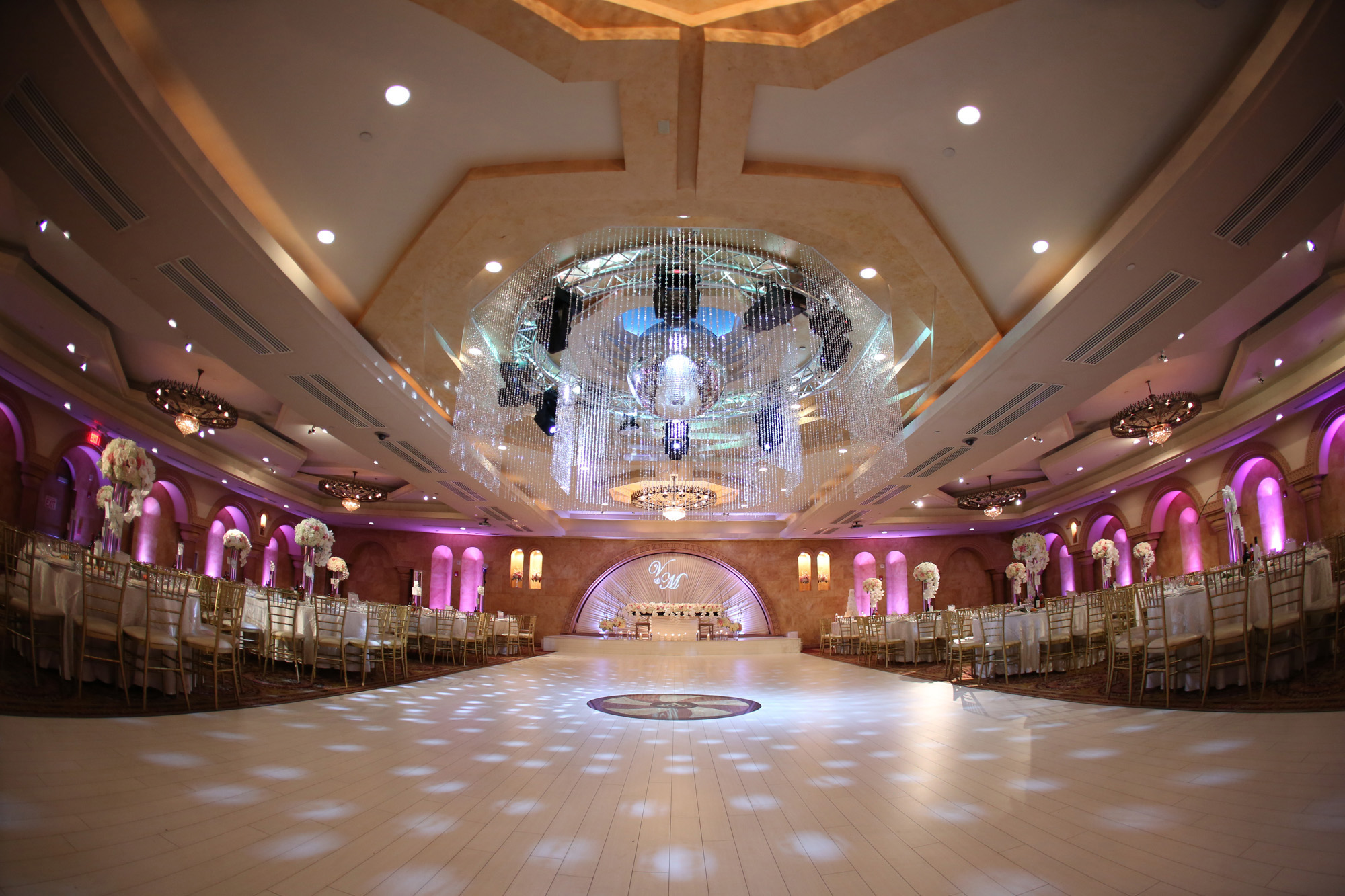 Largest Event Wedding Venue In N Hollywood Ca Le Foyer Ballroom