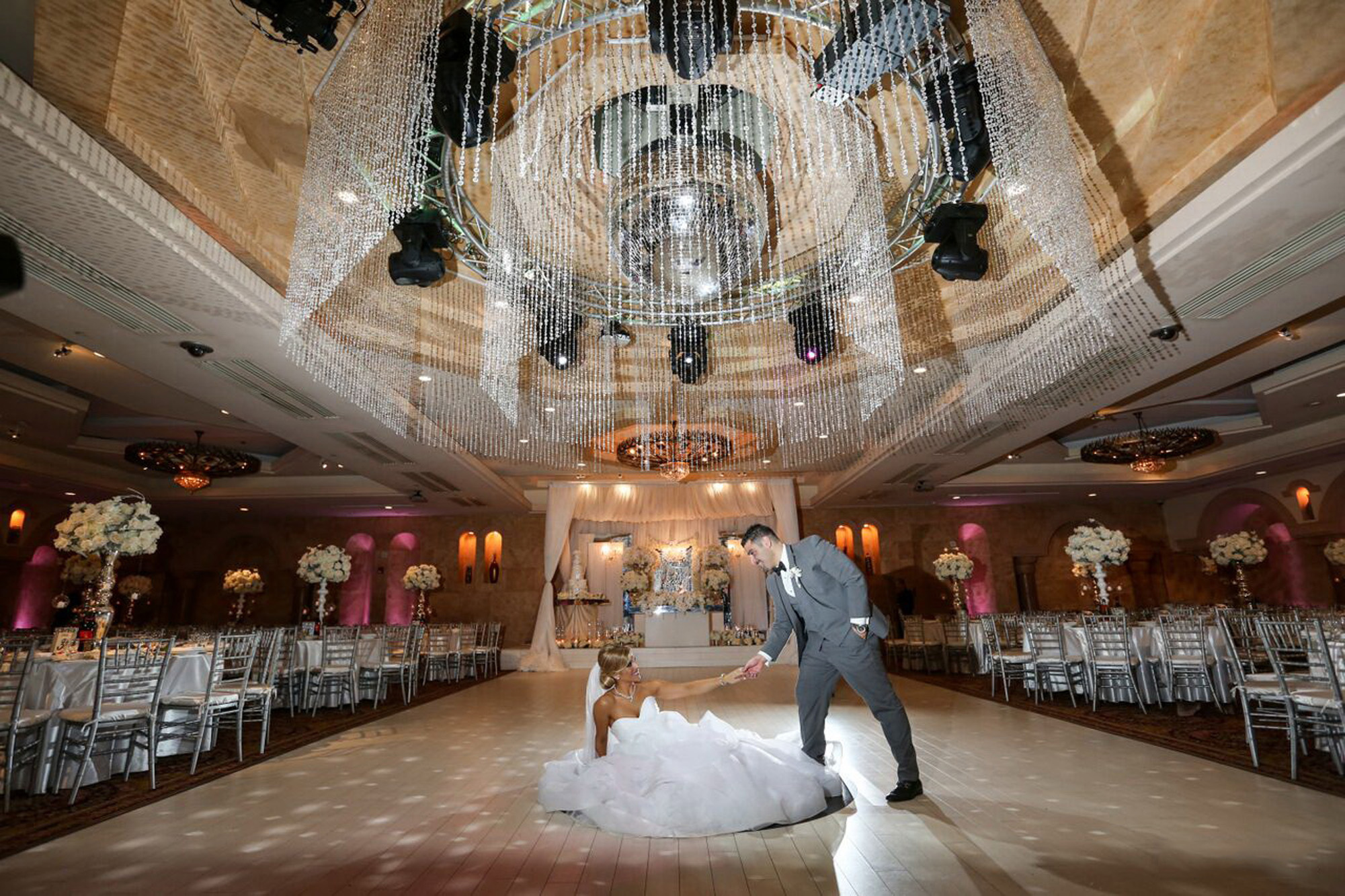 Largest event wedding venue in n hollywood ca le foyer ballroom view more in gallery arubaitofo Choice Image