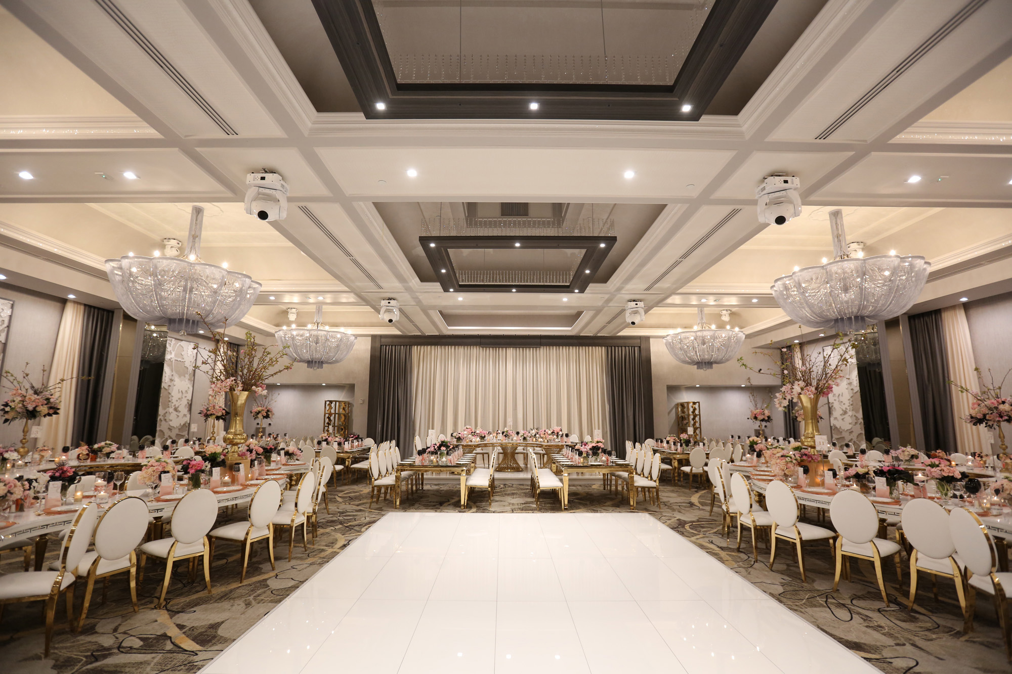 Modern wedding venue legacy ballroom labanquets for What is wedding venue